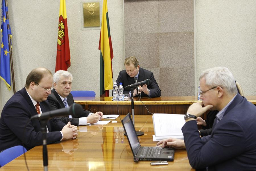 2010 metų gruodžio mėnesį vykusio forumo dėl sveikatos priežiūros įstaigų restruktūrizavimo Klaipėdoje akimirka (Eglės Petkutės nuotr.)