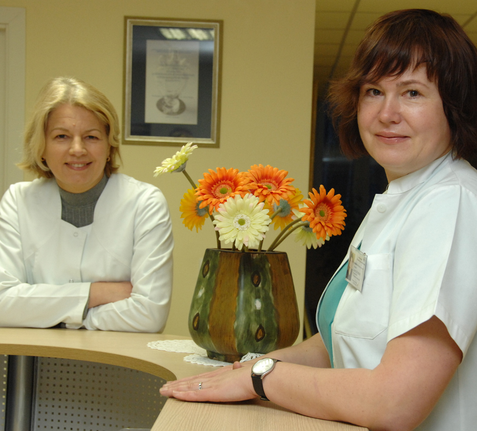 (Iš kairės) Gydytojos akušerės ginekologės  Vilija Urbonavičiūtė ir Jūratė Jaseliūnienė
