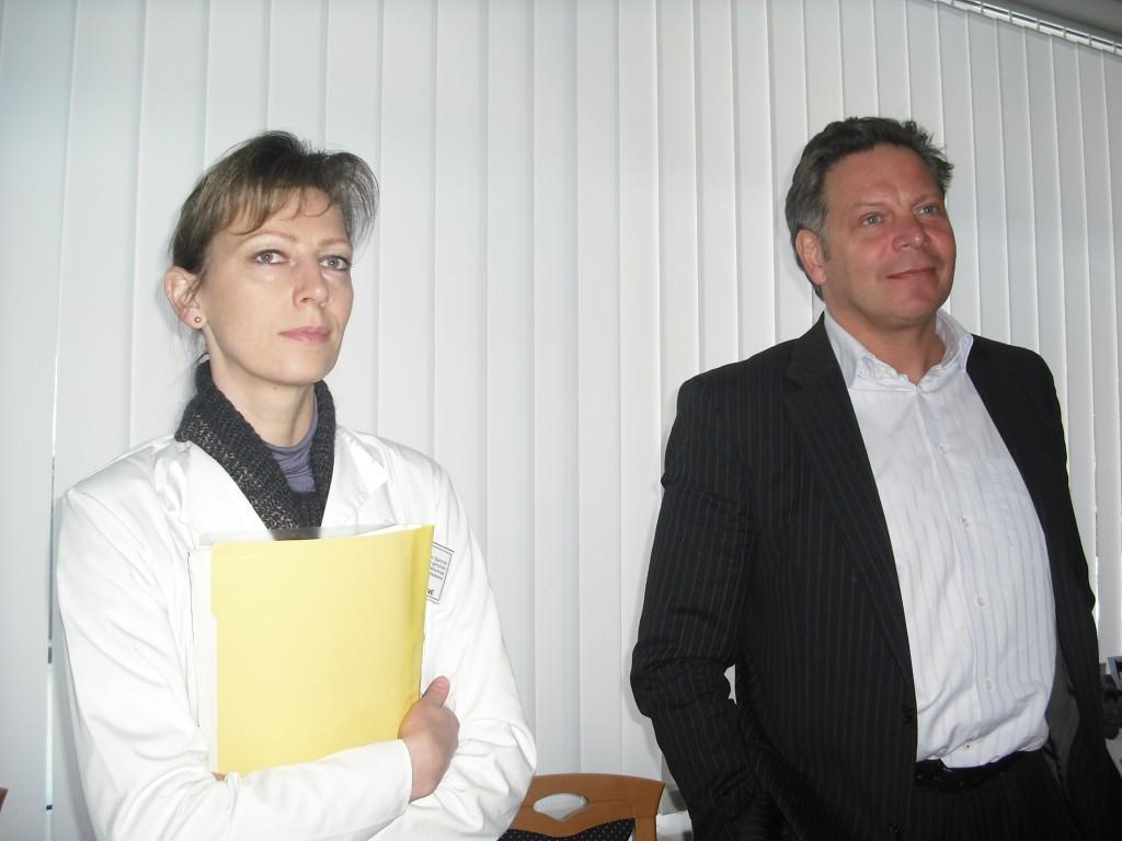 Vyriausiojo gydytojo pavaduotoja medicinai Rūta Lukšienė ir vyriausiasis gydytojas Aivaras Šlekys (G. Privedienės nuotr.)