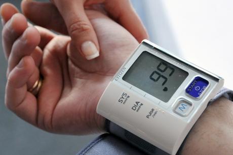 hipertenzija per dvi dienas kaip prisijaukinti hipertenziją jodu