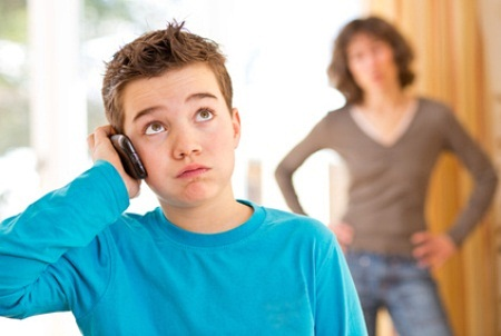 Paauglys kalba telefonu