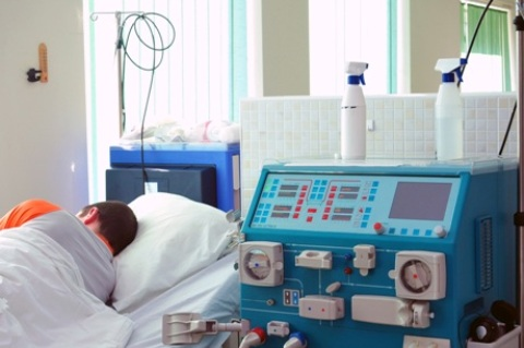 Ligonis dializės palatoje