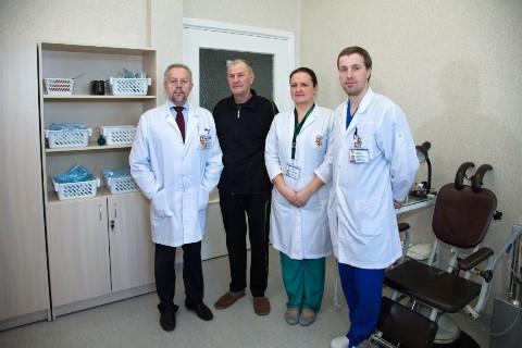 Chirurgai su pacientu