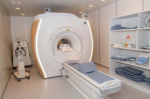 """Magnetinio rezonanso tomografas """"Optima MR360"""""""