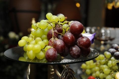 Vynuogės ant padėklo