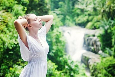 Moteris gamtoje