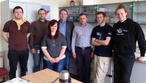 Arūnas Ramanavičius su mokslininkų grupe