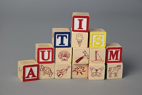 Kaladėlės su raidėmis autism