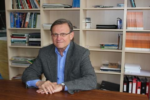 R. Kairaitis