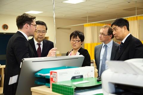 Svečiai iš Kinijos Skubios pagalbos skyriuje