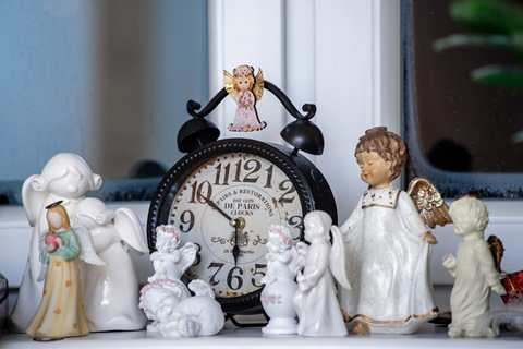 Angelai ir laikrodis