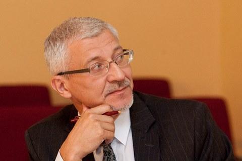 B. Gruževskis
