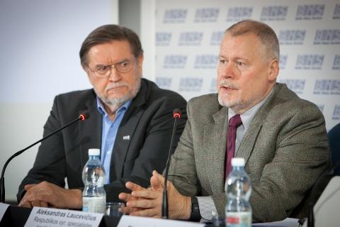 Viktoras Tonkich, prof. Aleksandras Laucevičius