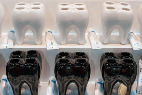 Stovas dantų šepetėliams