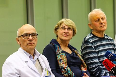 Prof. V. Jašinskas su pacientais
