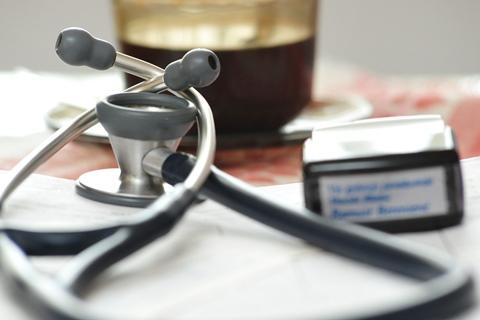 Stetoskopas ir antspaudas