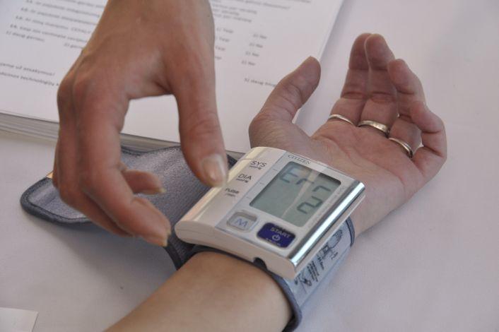 Kraujospūdžio matuoklis ant riešo