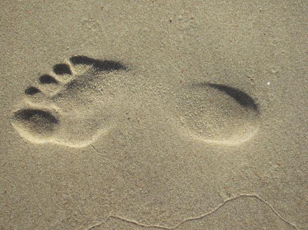 Pėdos pėdsakas smėlyje