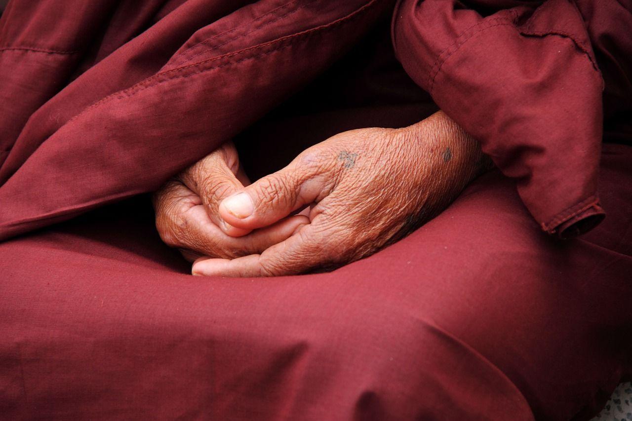 Seno žmogaus rankos