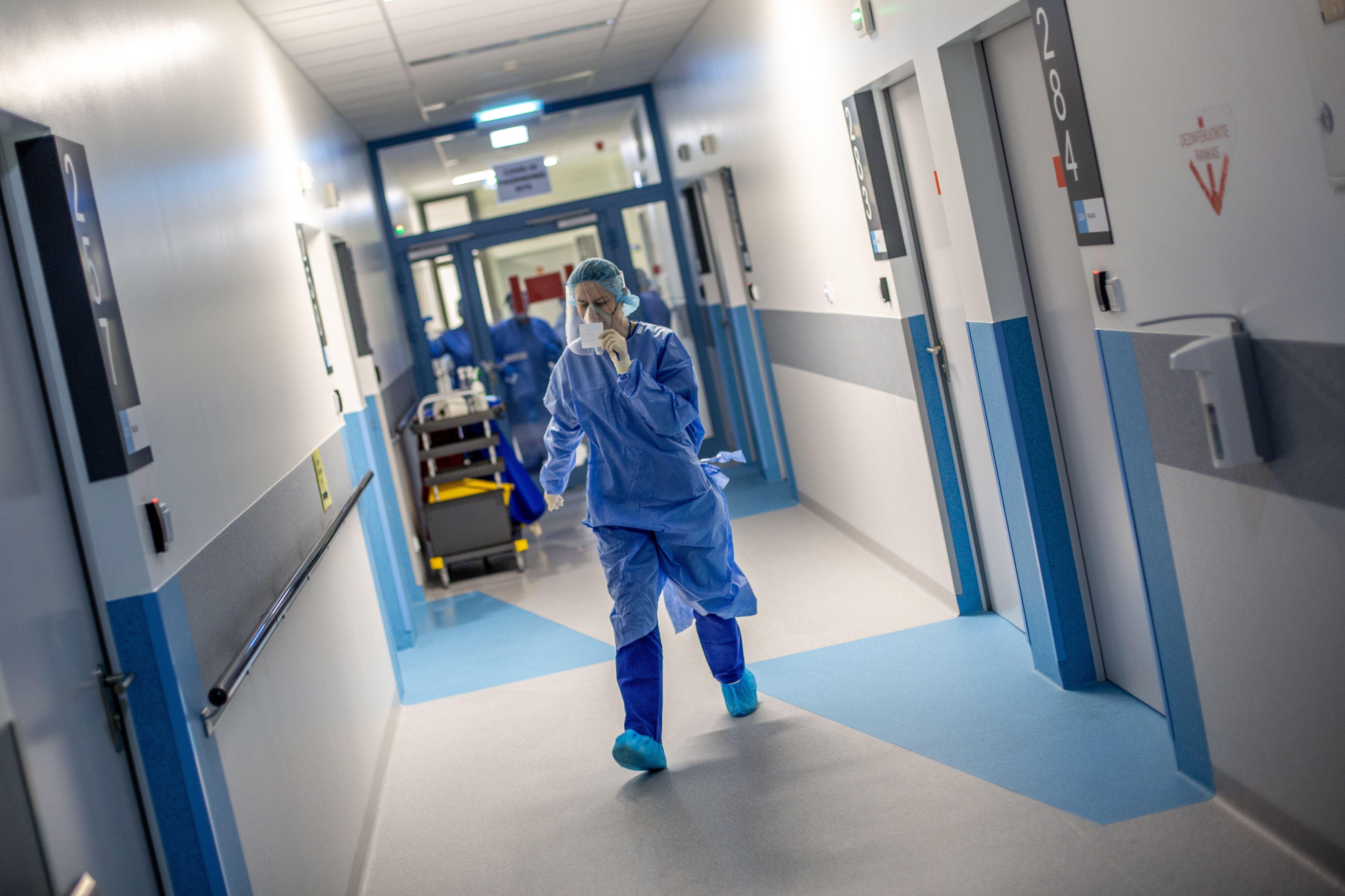 Santaros klinikų medikas pandemijos metu