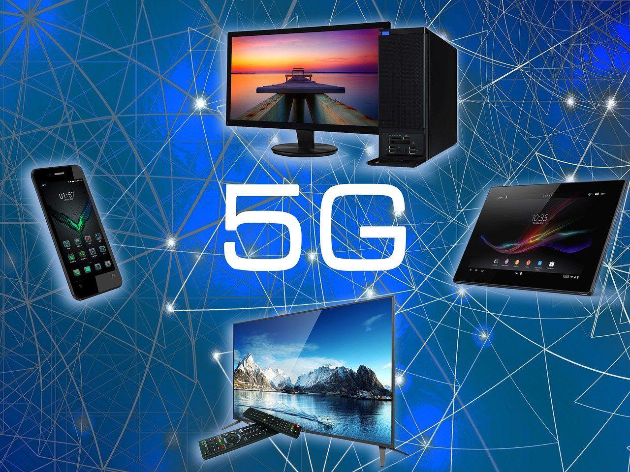 Užrašas 5 G su televizoriaus, kompiuterio, telefono vaizdu