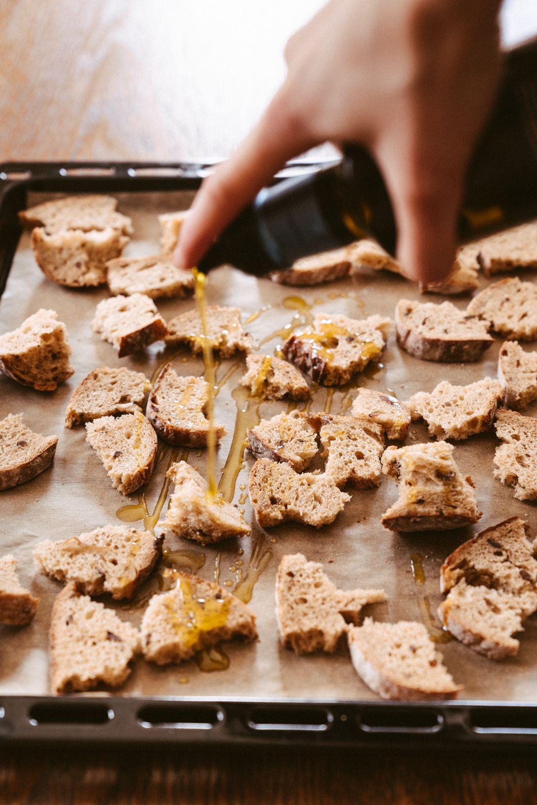 Sudžiūvusios duonos kepimas
