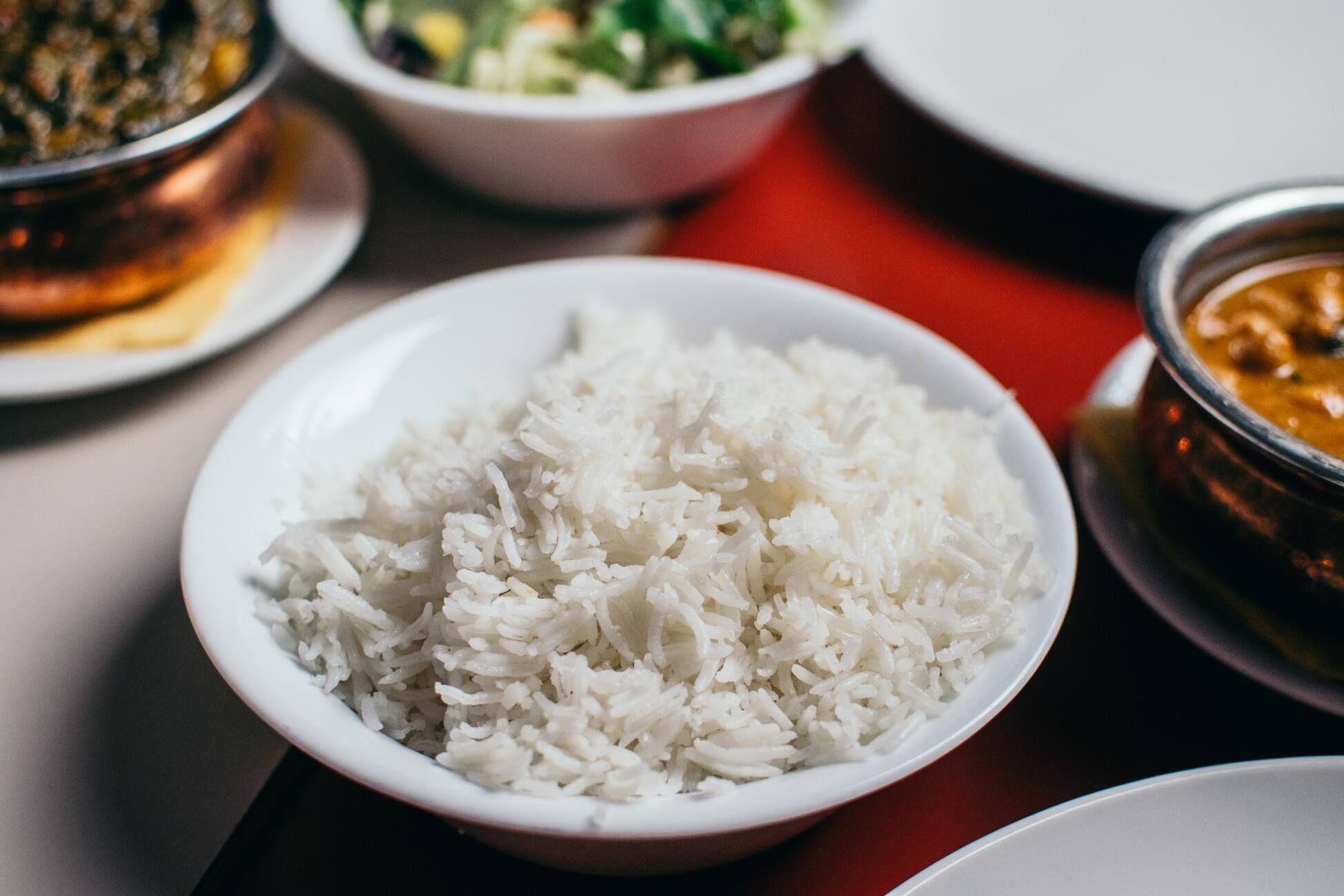 Virti ryžiai lėkštėje