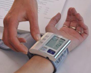 zemas kraujo spaudimas kaip pakelti sergant hipertenzija, kraujospūdis smarkiai sumažėja